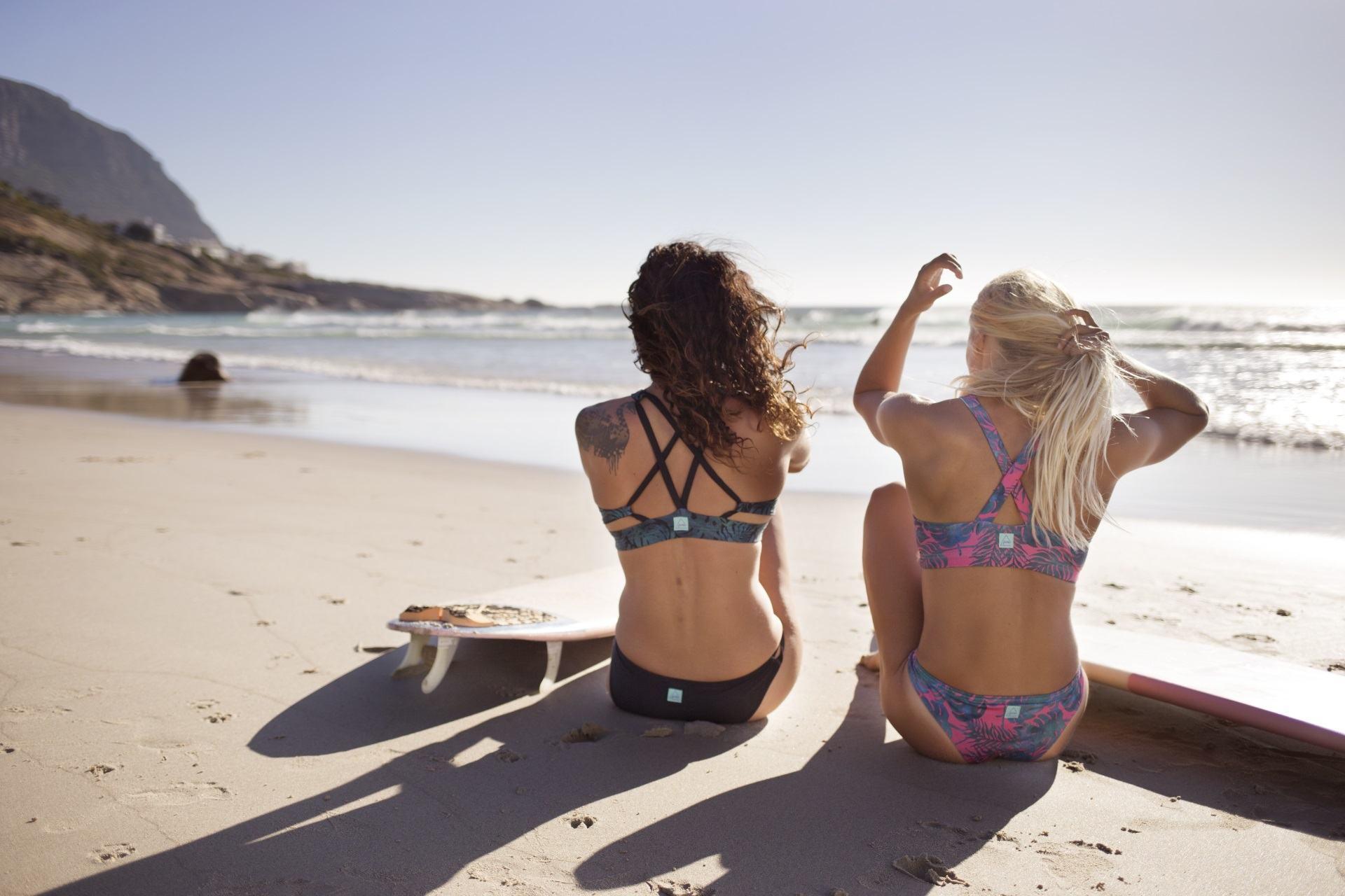 Josea Surfwear: Top Supertubes & Cloudbreak