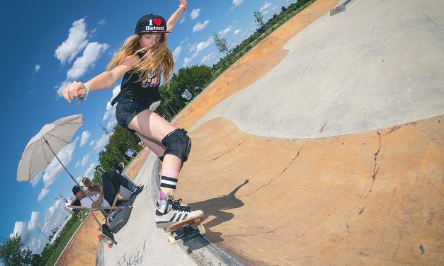 Review Hot Curbs & Cool Pools Girls Skate Jam