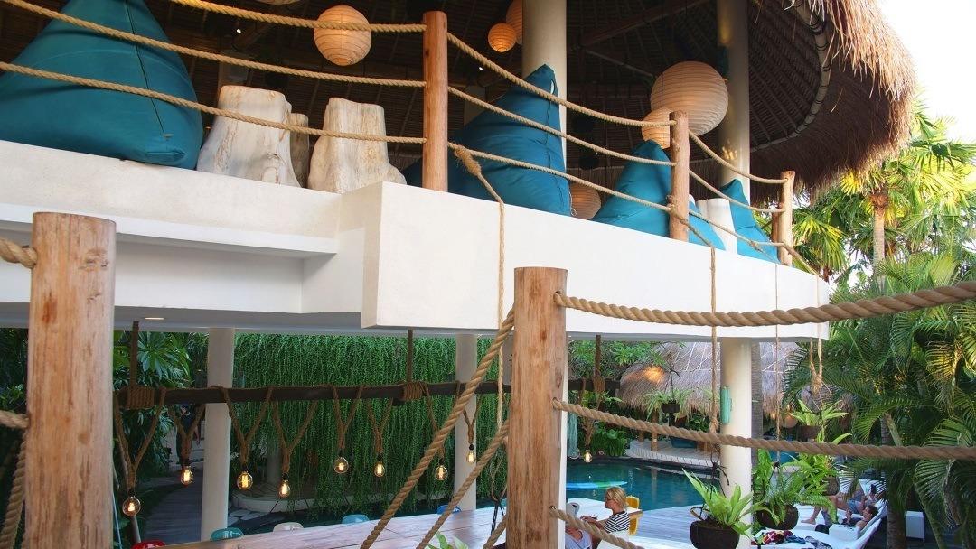 Kima Surfcamp Canggi Bali Terasse