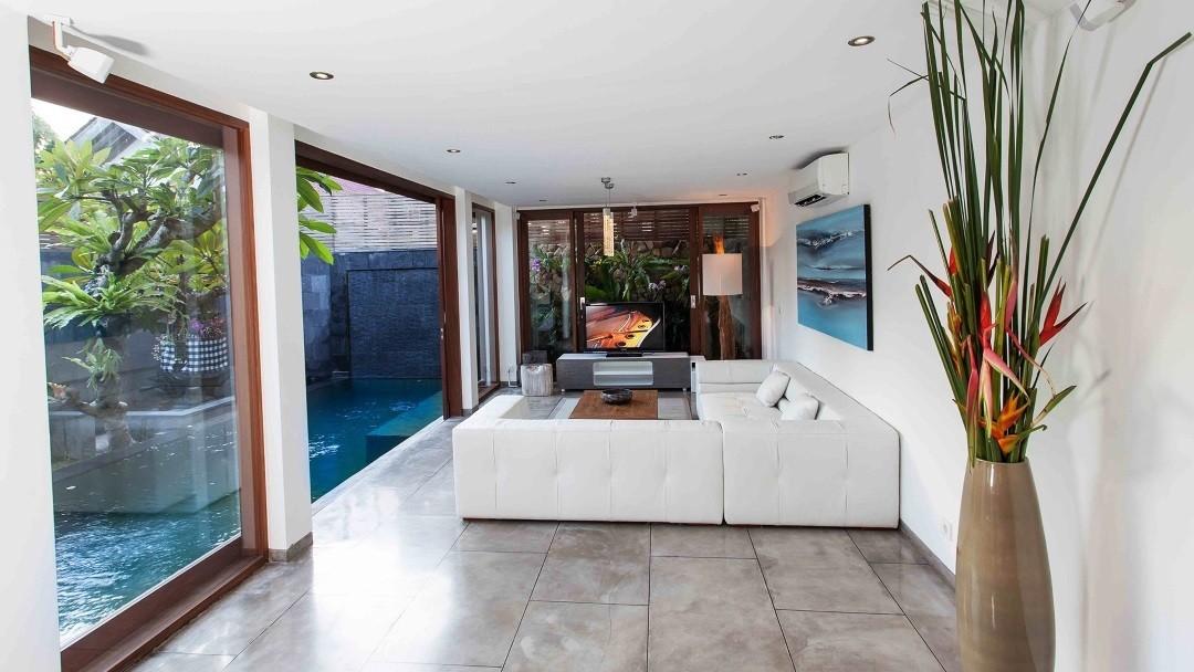 Seminyak Deluxe Villa & Apartments - Wohnzimmer