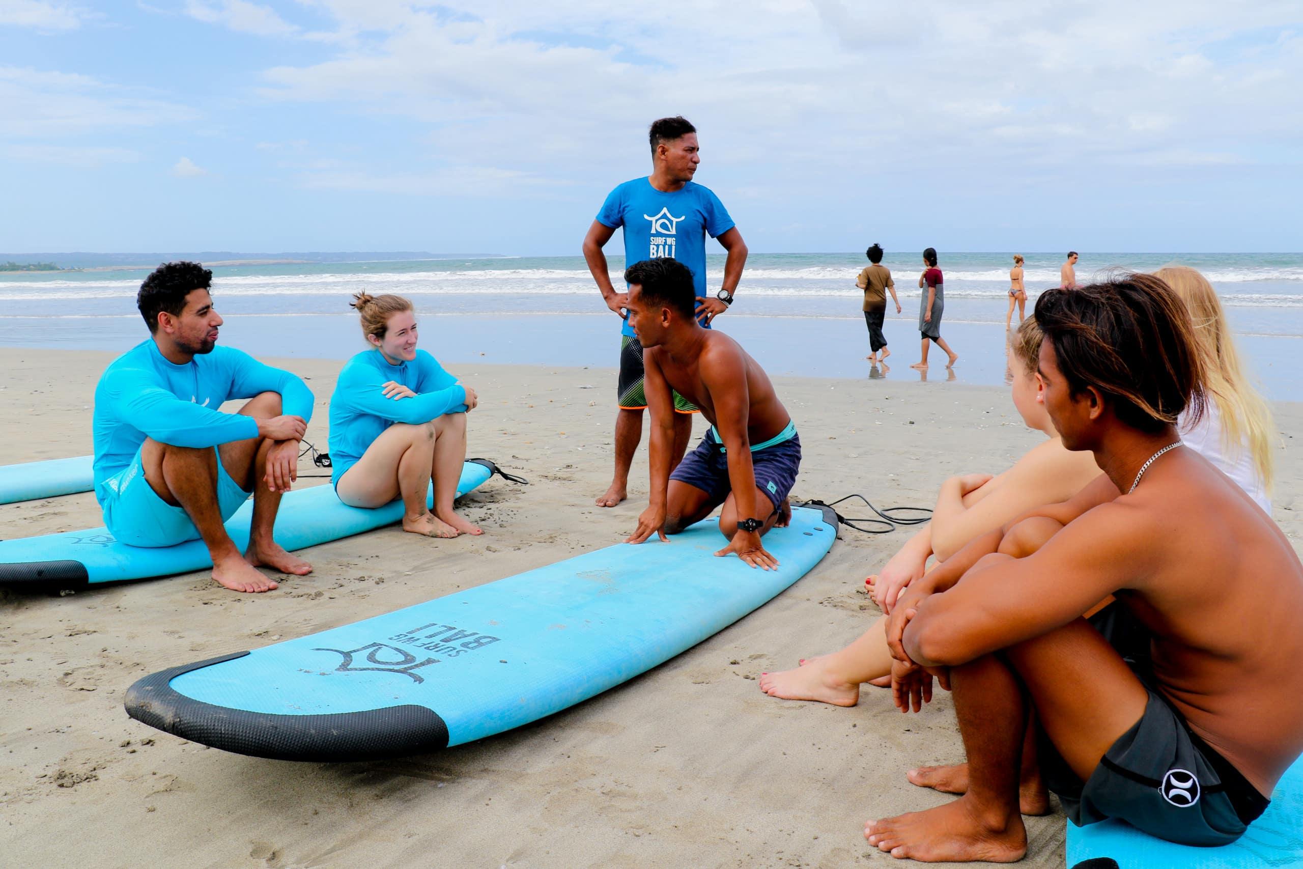 Beginner Kurs in der Surf WG Bali