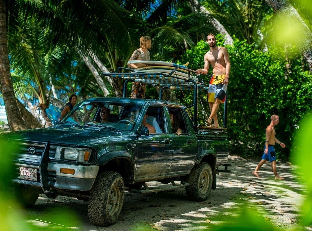 Ausflug im Jeep im Zopilote Surfcamp