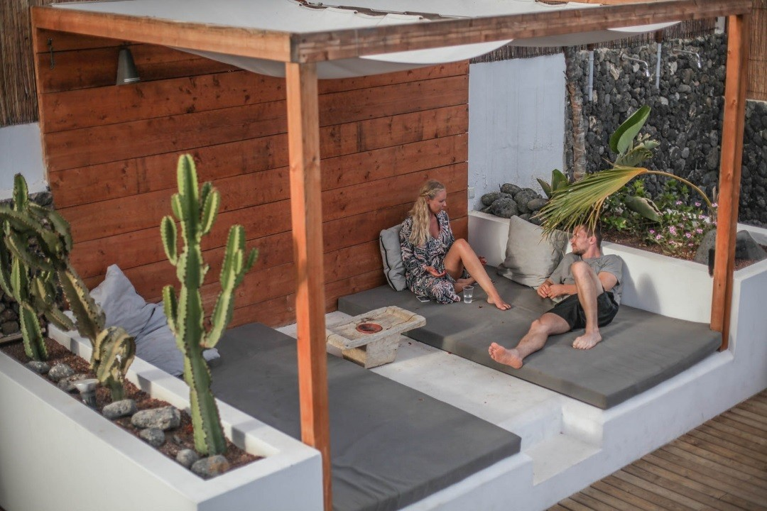Chillout Area im Line Up Surfcamp Corralejo