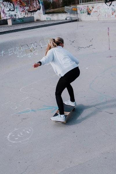 Surfskate Bottomturn Schritt 6