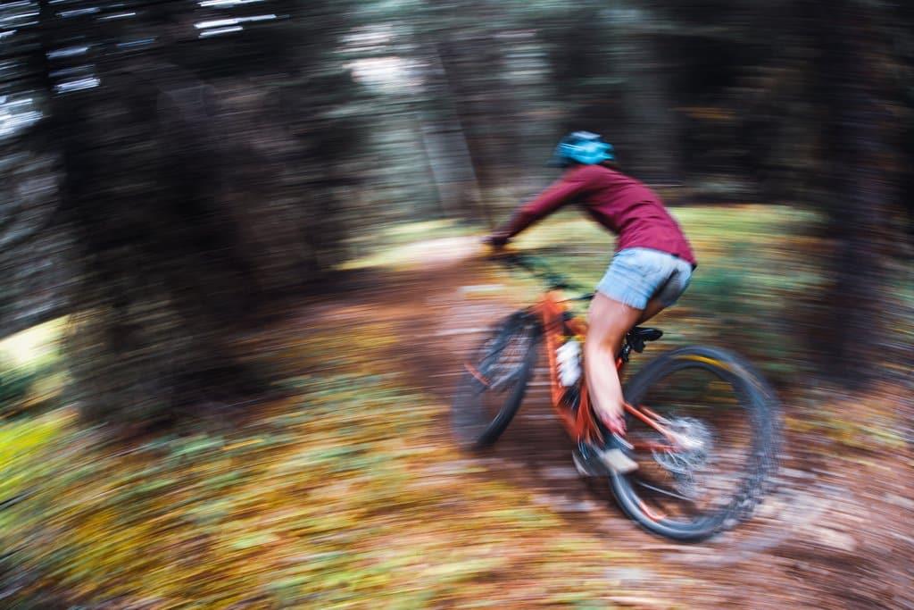 Schnelle Mountainbikerin