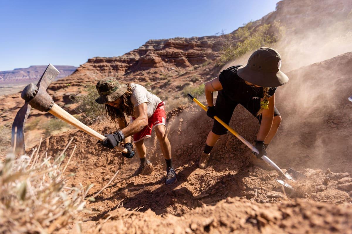 Red Bull Formation: Ryan Rodriguez, Renate Wiese digging